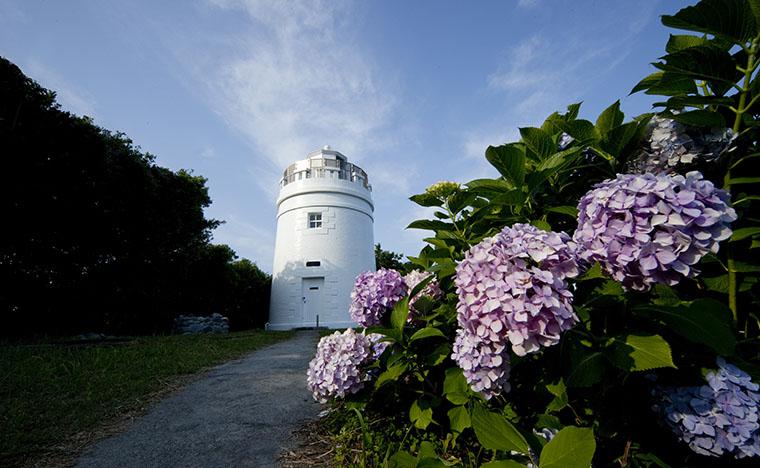 島のシンボル・菅島灯台