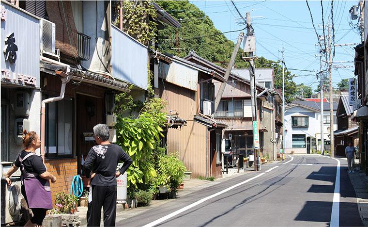 昭和の台所と呼ばれた鳥羽なかまちの昔ながらの町並み